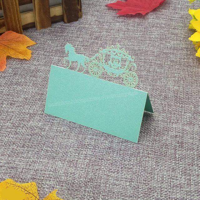 2018new 50 piezas corte láser corona nombre lugar asiento Tarjeta de invitación de la boda tarjetas de la tabla para la decoración de la tabla del partido Favor 6ZZ51